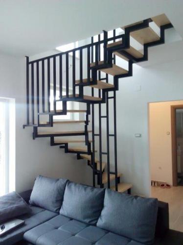 stepenice metalne